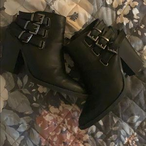 Rebel forever 21 ankle boots !
